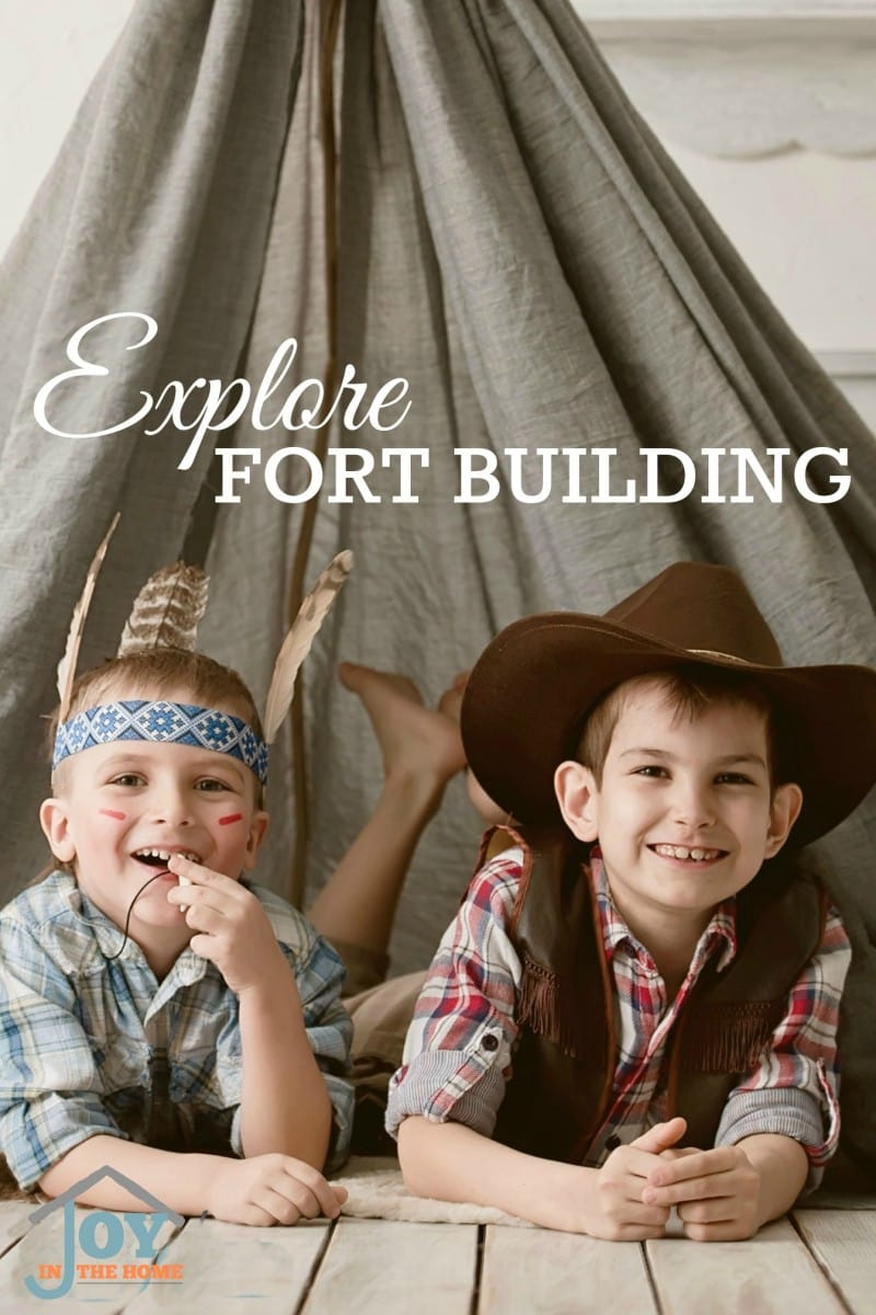 Explore Fort Building - Part of the 31 Days of Exploring Free Afternoon Activities | www.joyinthehome.com