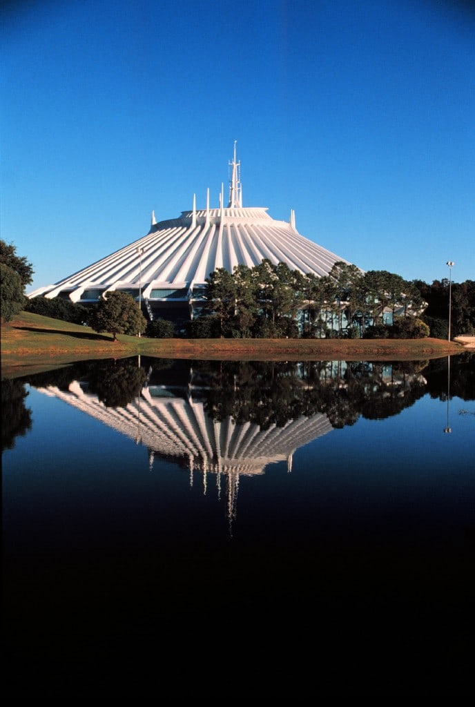 MAGIC KINGDOM - TOMORROWLAND - SPACE MOUNTAIN - DEC 90